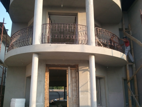 84-omar-balcon